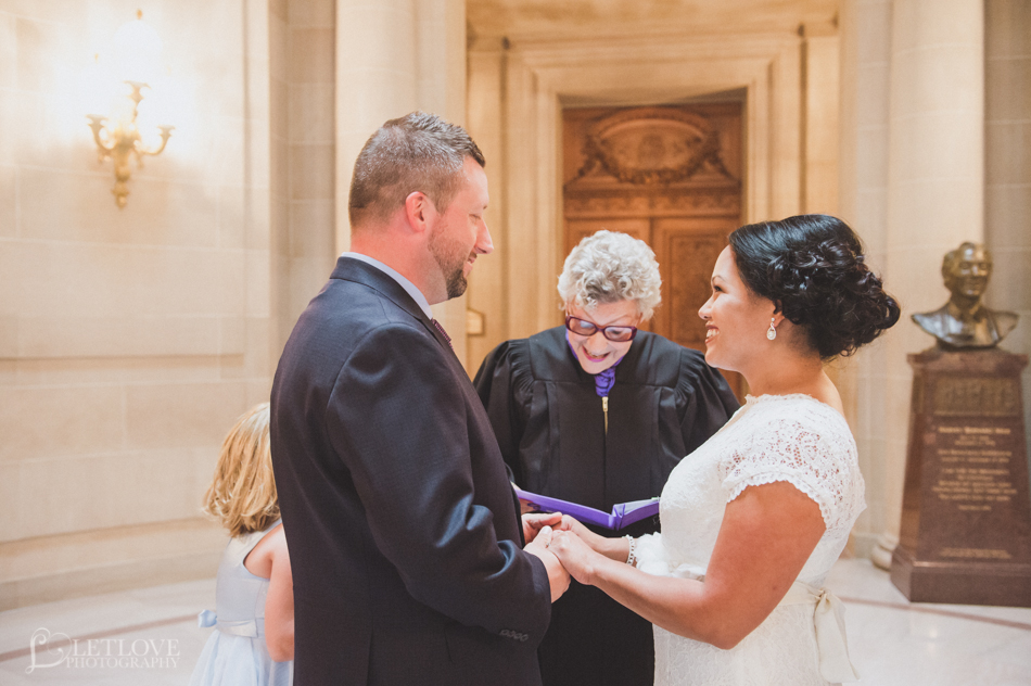 Melanie_Andy_Elopement_Wedding_LetlovePhotography_SFCityHall_CA-7